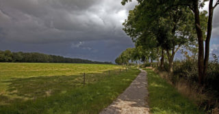 Radfahren zwischen Land und Wasser